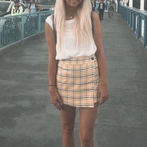 Dresses & Skirts - Yellow clueless skirt